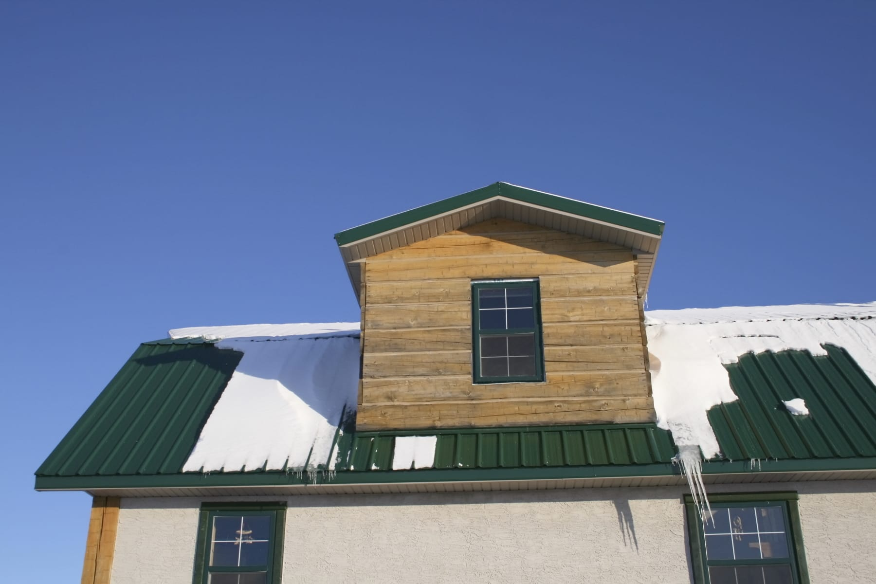 Explore Benefits With Metal Roofing Louisa County Experts